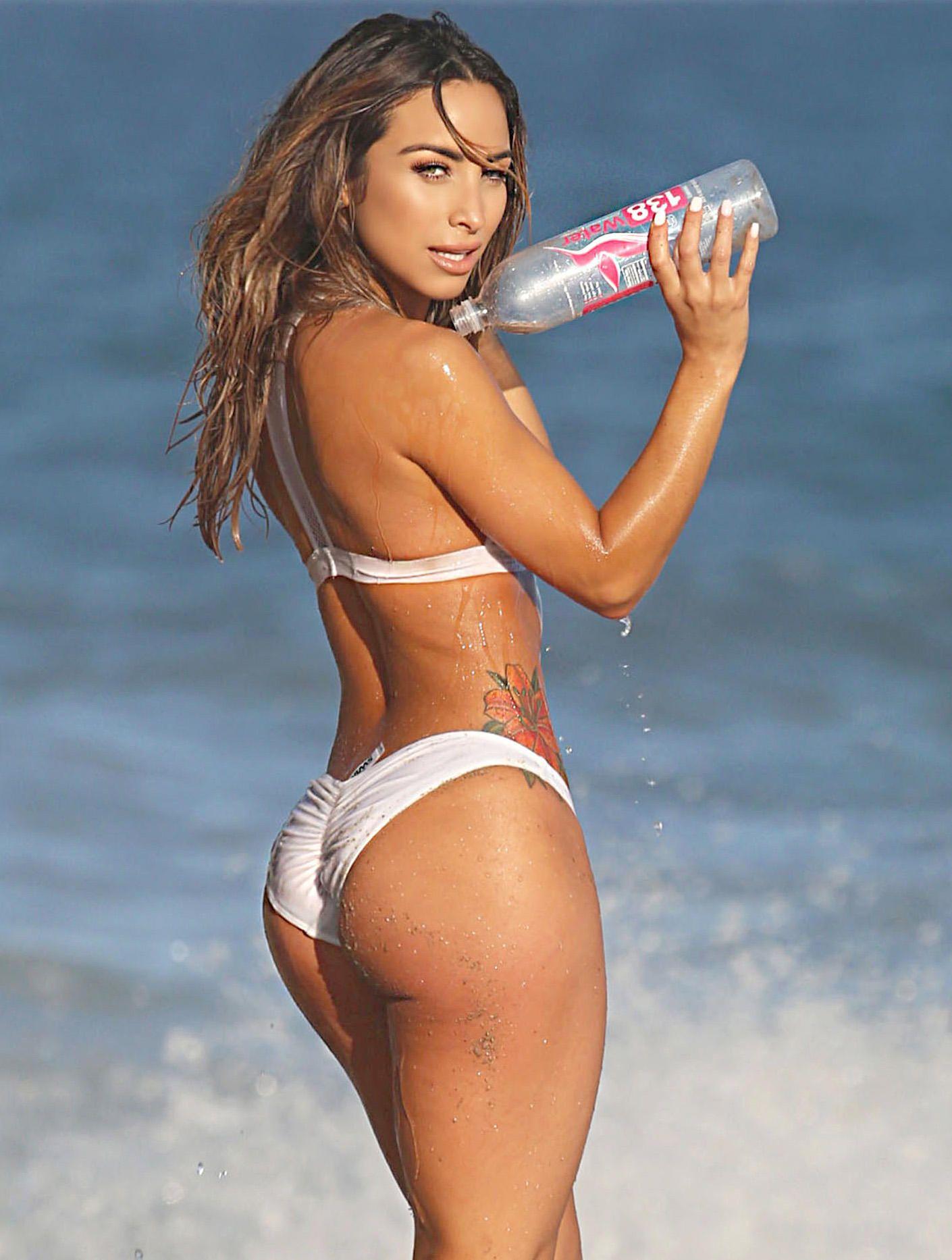 Yesenia-Bustillo-Bikini-8