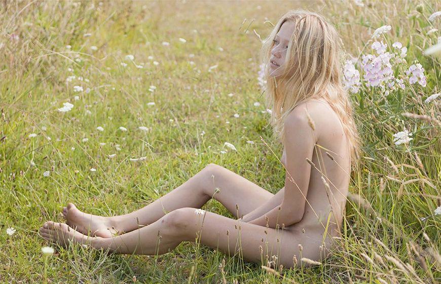 Zippora-Seven-Nude-11