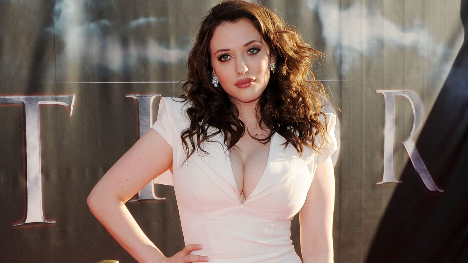 kat dennings fully naked