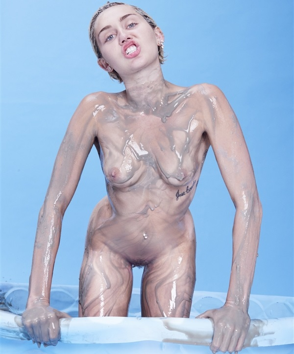 miley_cyrus_fully_naked