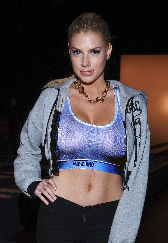 Charlotte-McKinney-Sexy-1