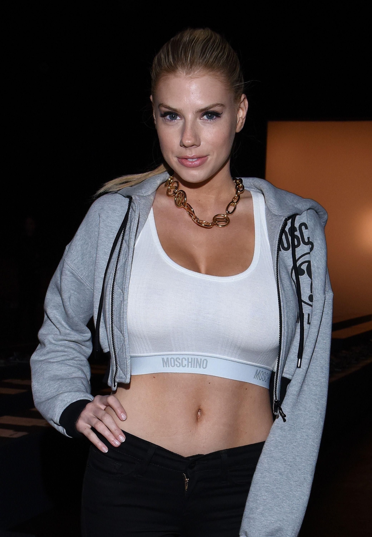 Charlotte-McKinney-Sexy-13