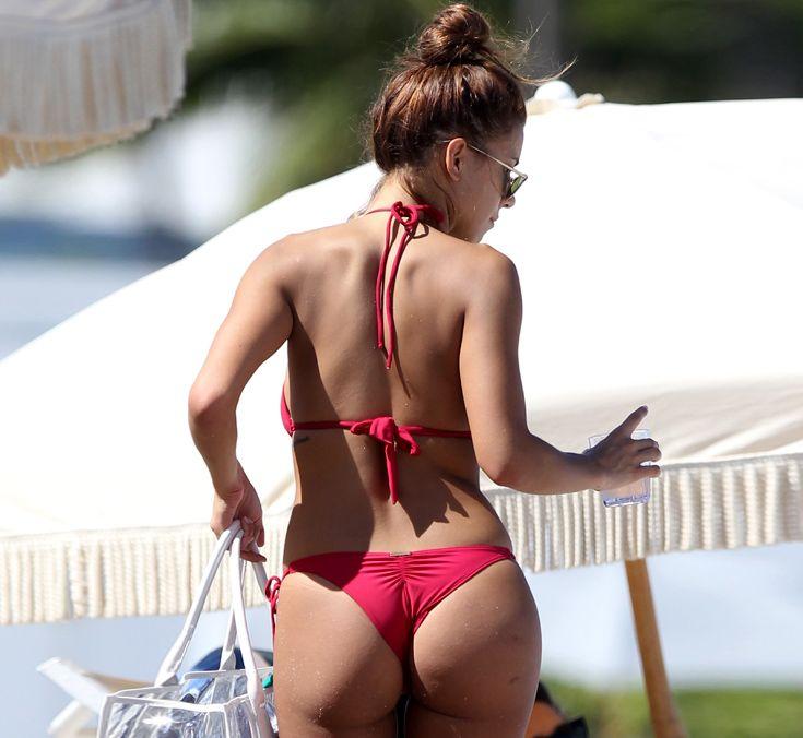 Devin-Brugman-and-Natasha-Oakley-in-a-Bikini-10