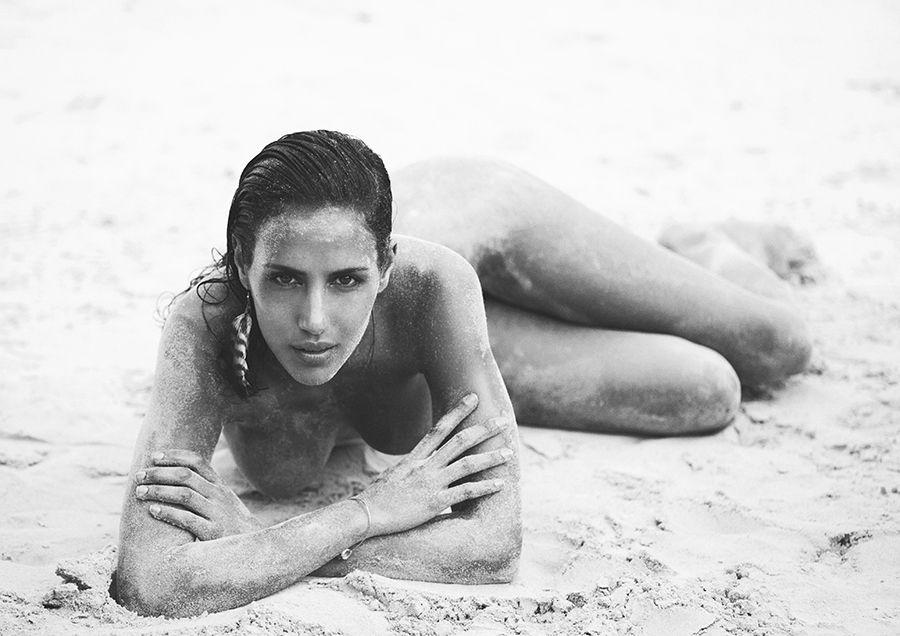 Elisa Meliani Nude (10 Photos)
