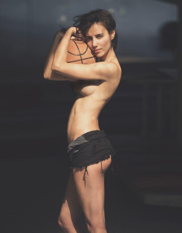 Elisa Meliani Nude (30 Photos)