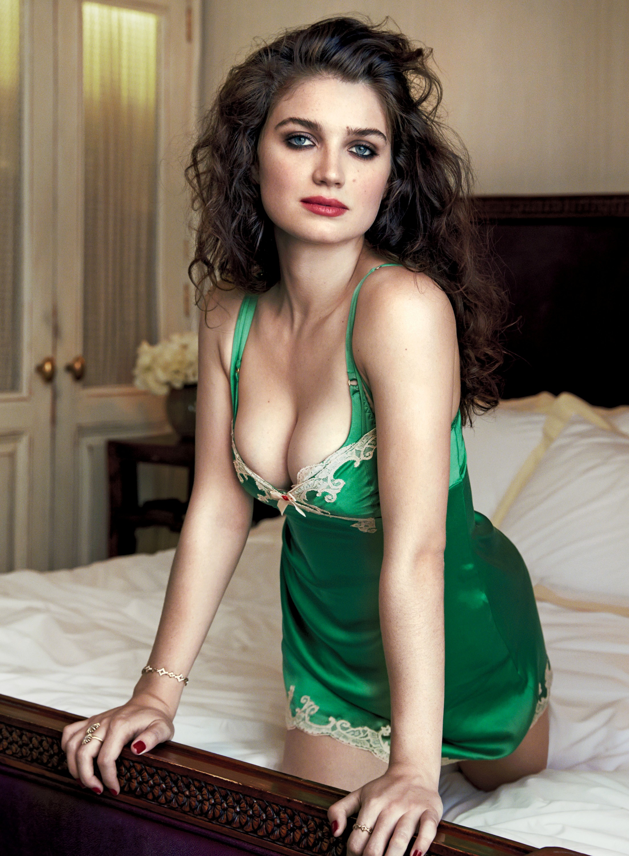 eve hewson sexy 3 photos thefappening