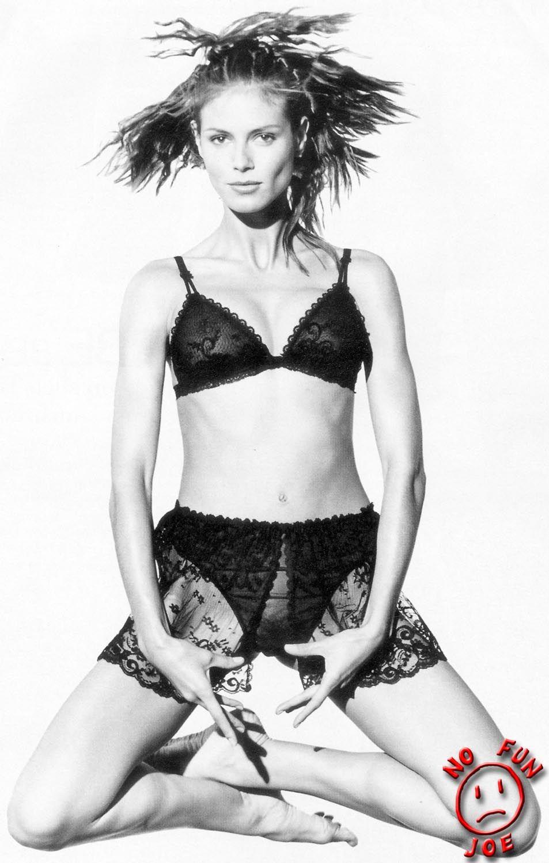 Heidi Klum Bush (2 Photos)