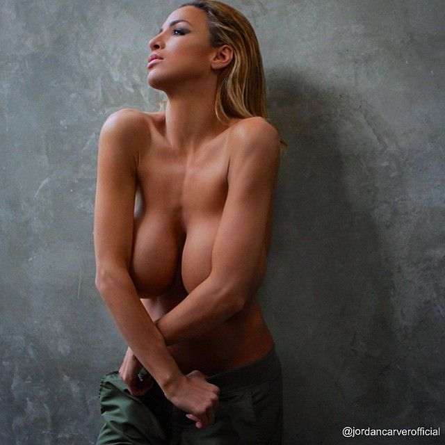 naked woman small tits