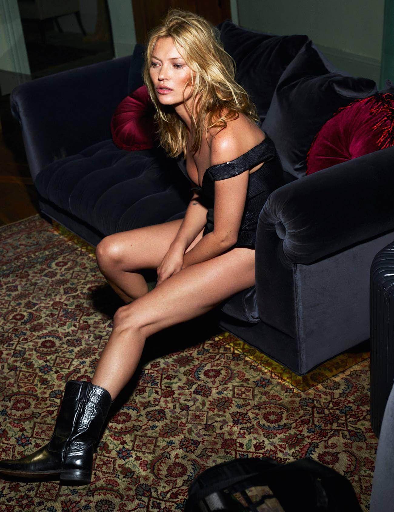 Kate Moss Sexy & Topless (15 Photos)