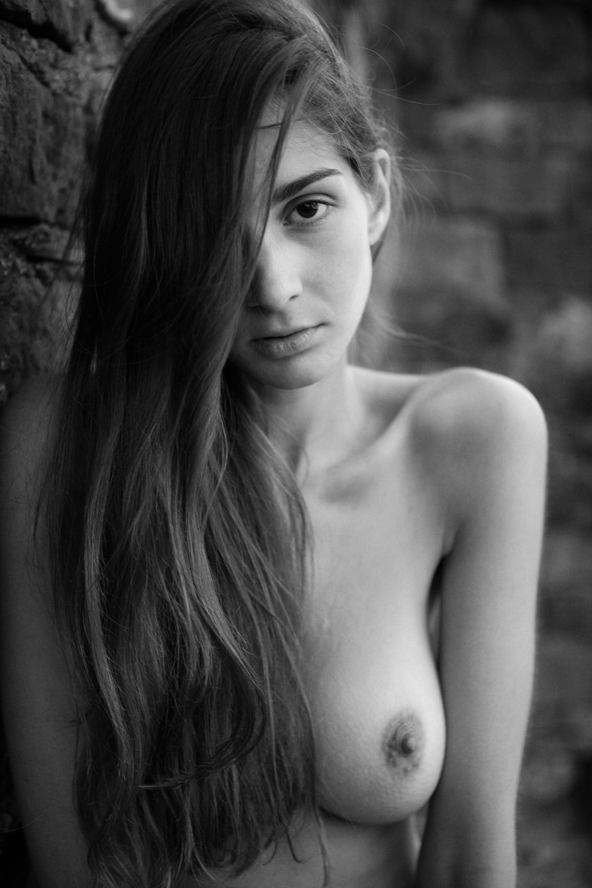 lina naked