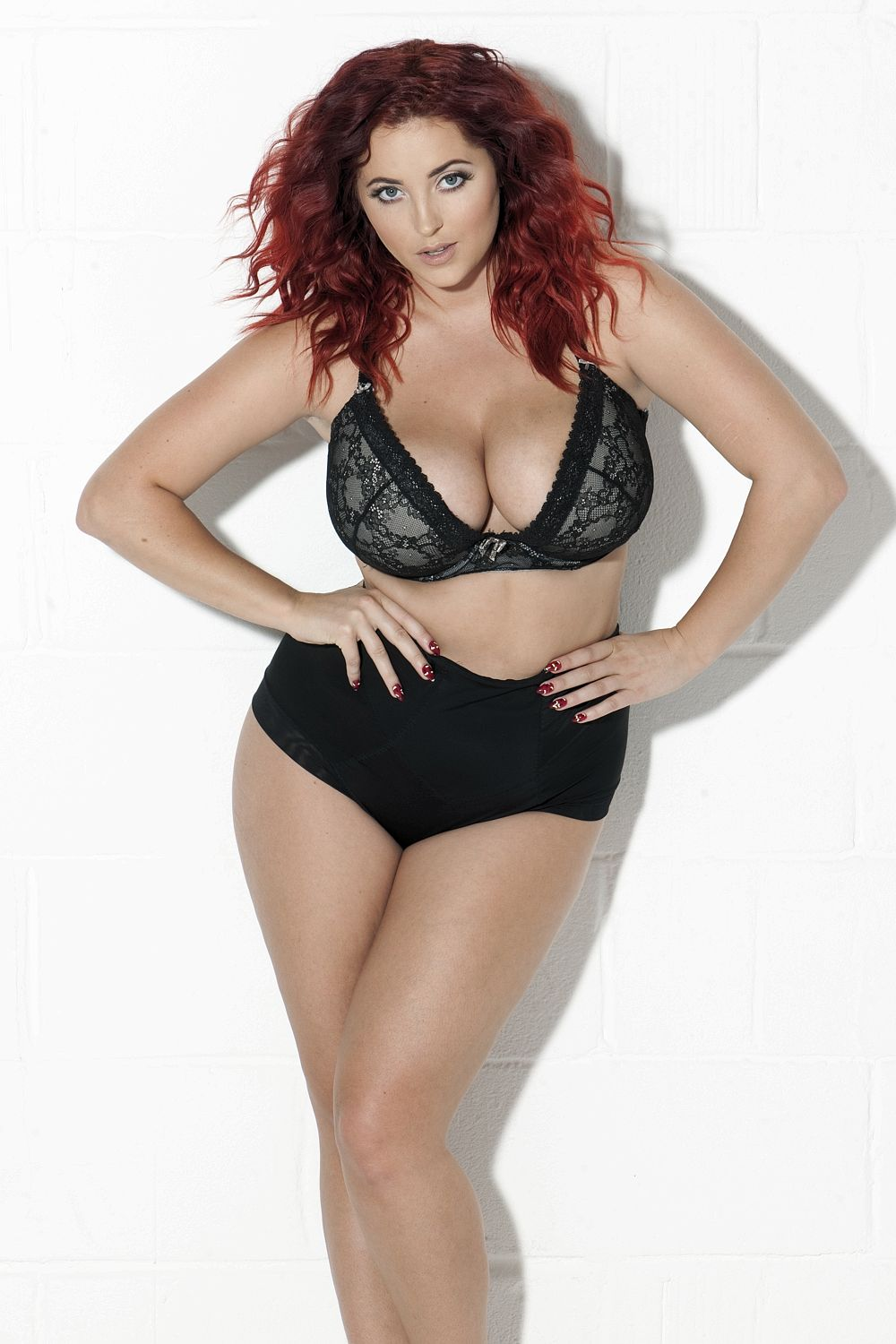 Lucy Collett in Bra & Topless (4 Photos)