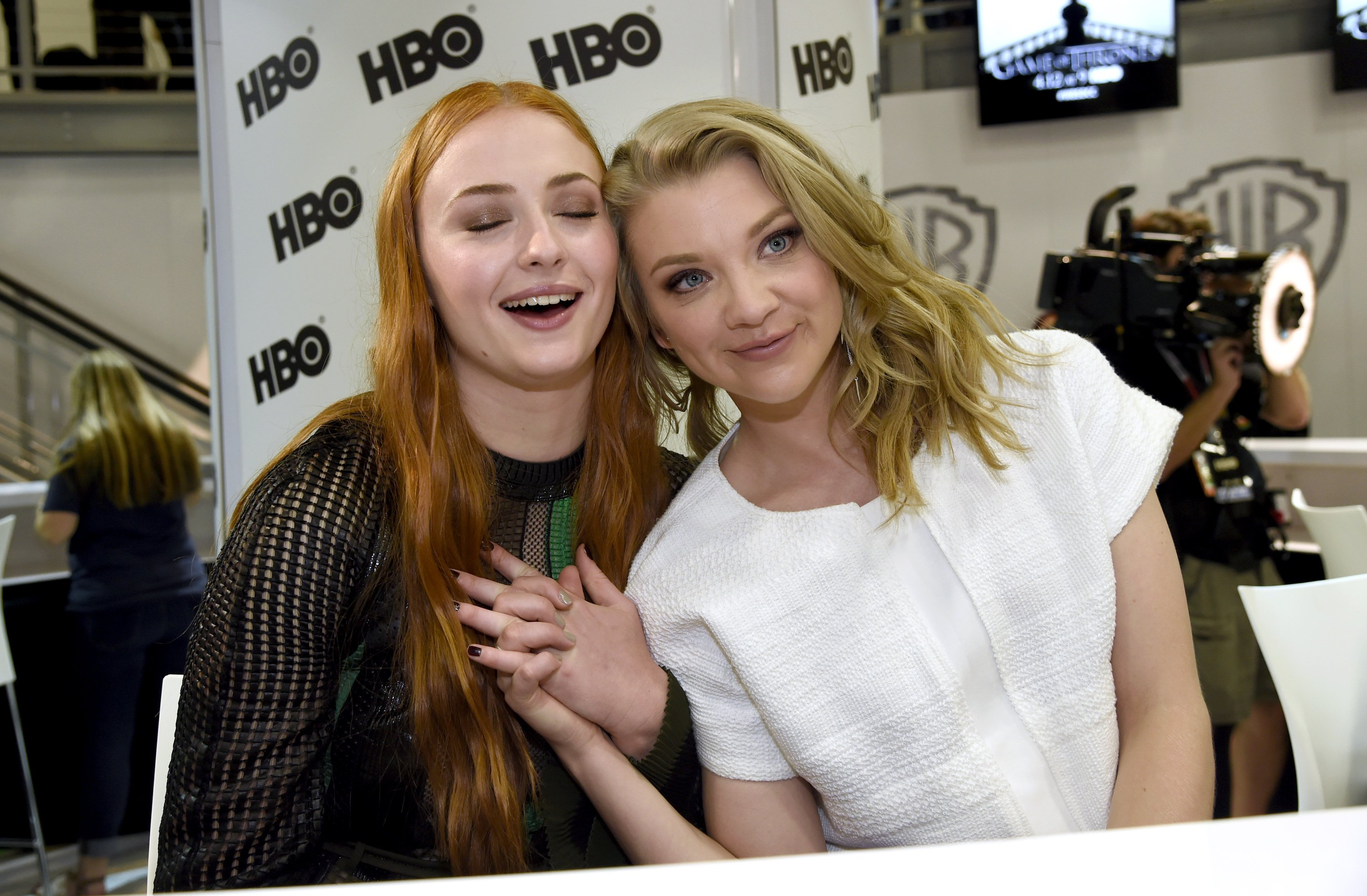 Maisie-Williams-Sophie-Turner-and-Natalie-Dormer-Sexy-5