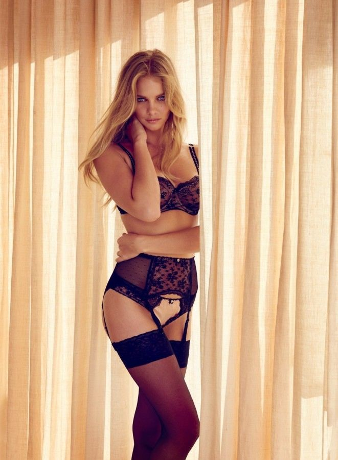 Marloes Horst in a Lingerie (4 Photos)