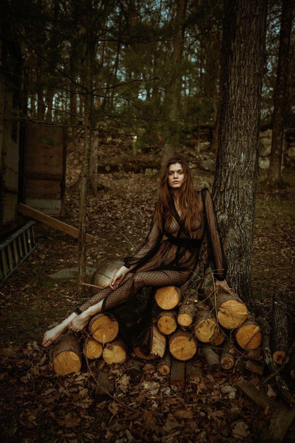 Rebekah-Underhill-Nude-1
