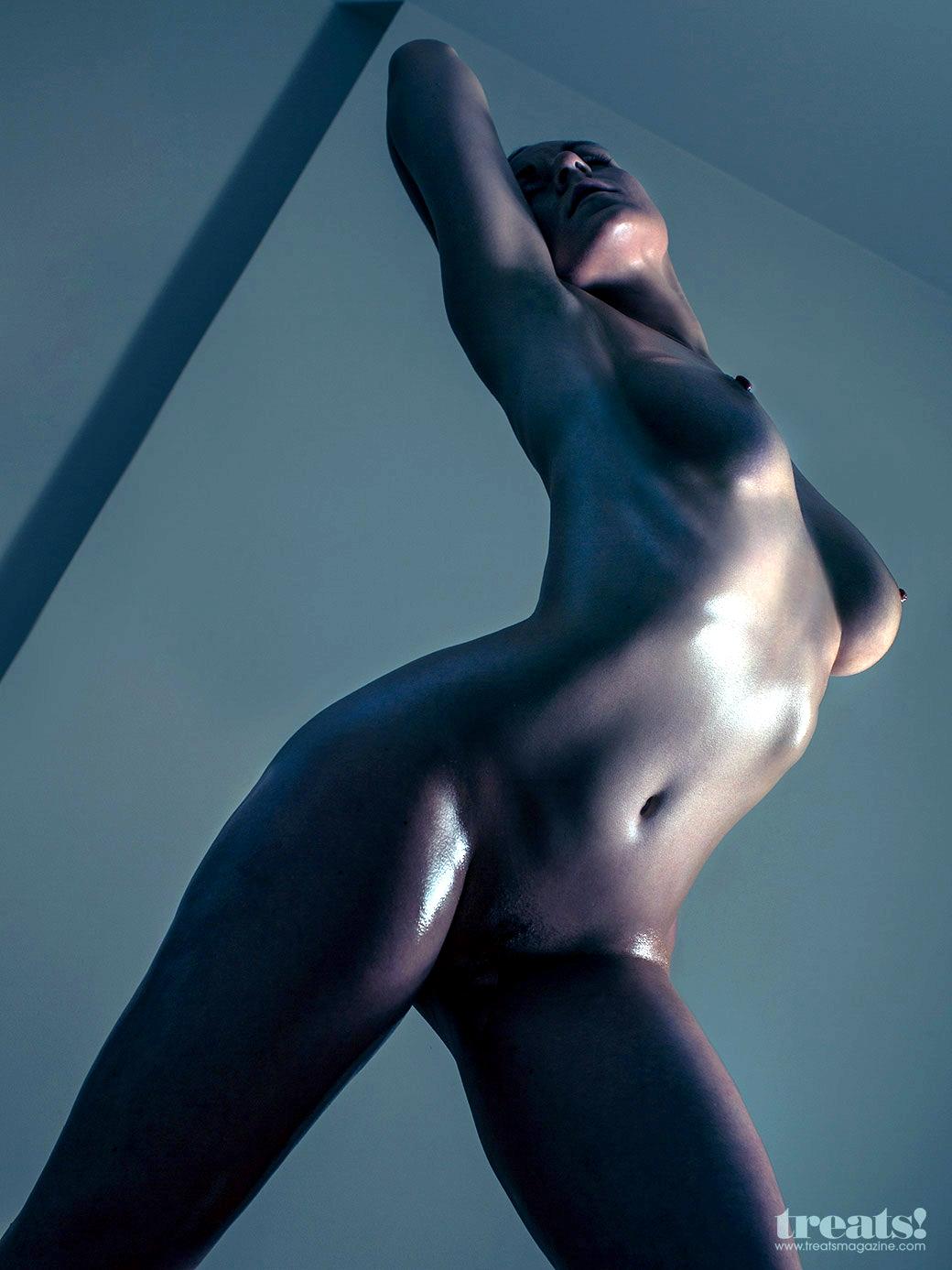 Sculpt-Nude-Models-25