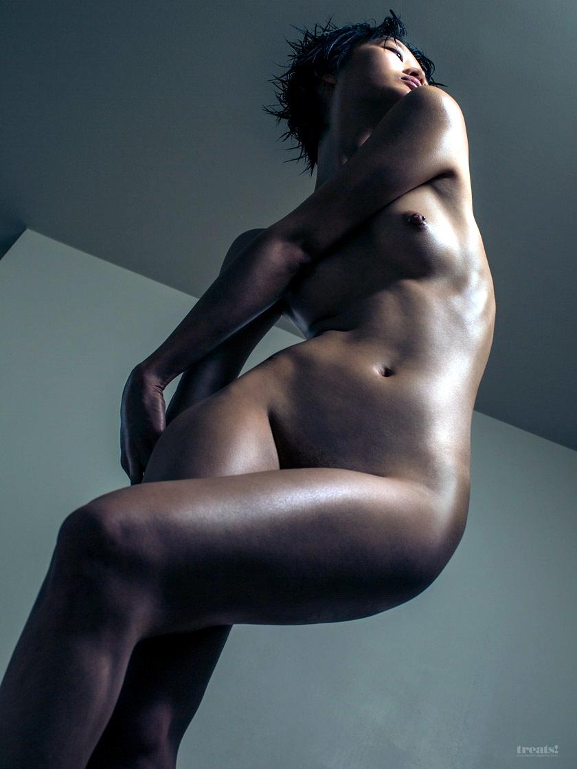 """Sculpt"" – Treats Magazine #8 (28 Photos)"