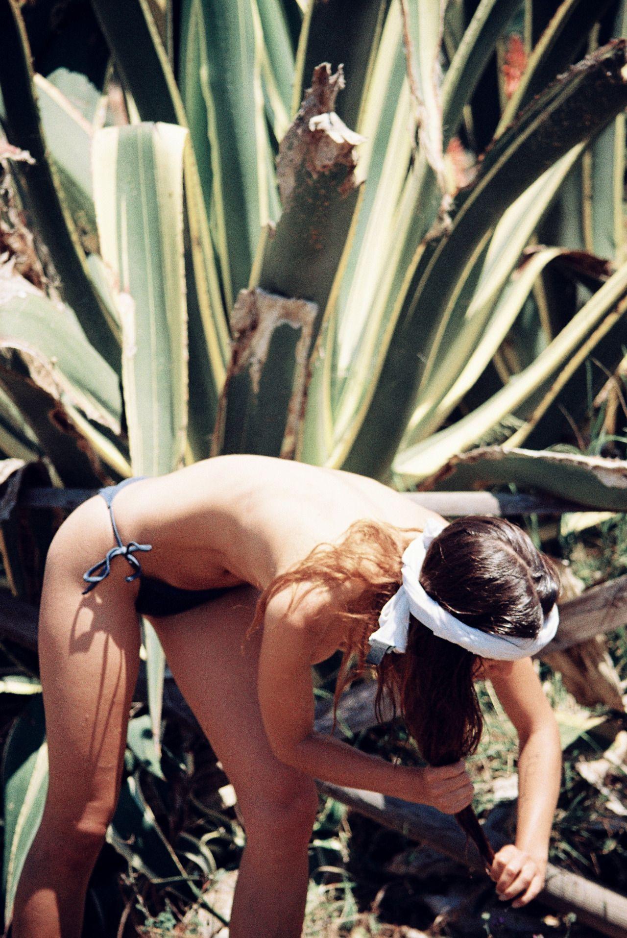 Valeriya-Volkova-Topless-Bikini-10