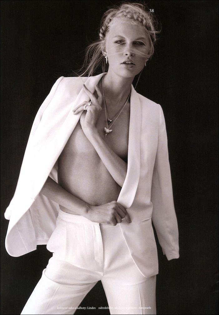 Andrea De Oliveira Nude 44