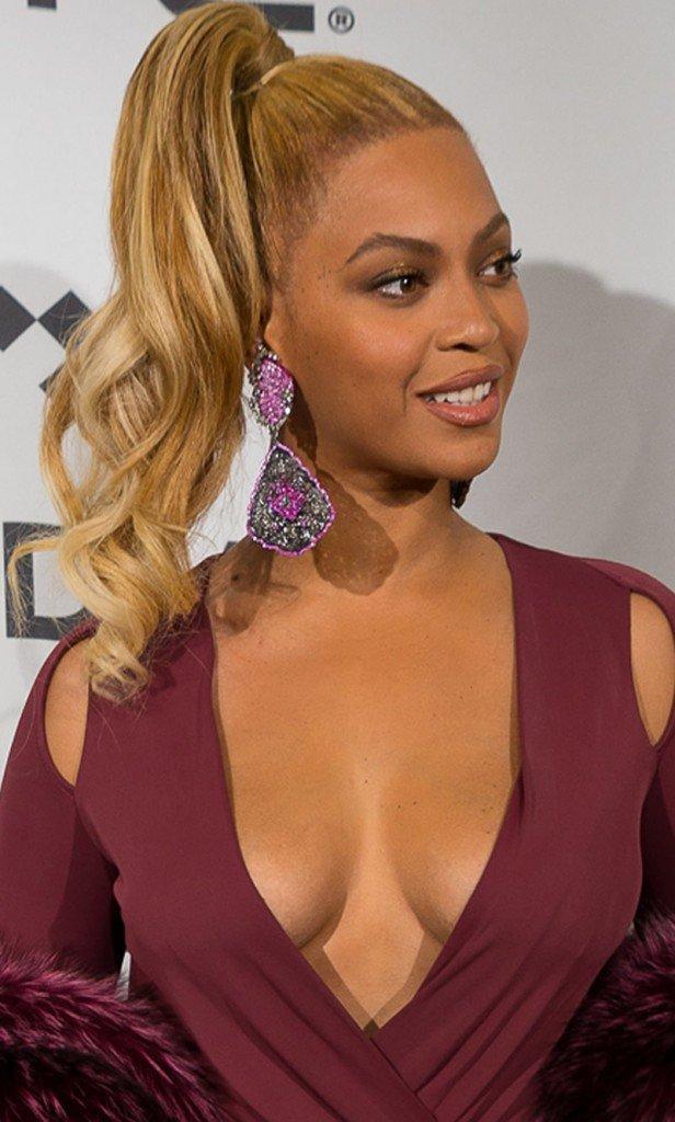 Beyonce Cleavage (31 Photos)