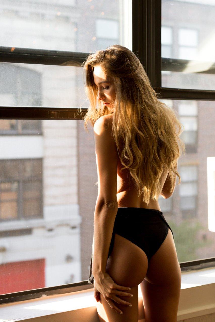 Georgia Sumner Topless new photo
