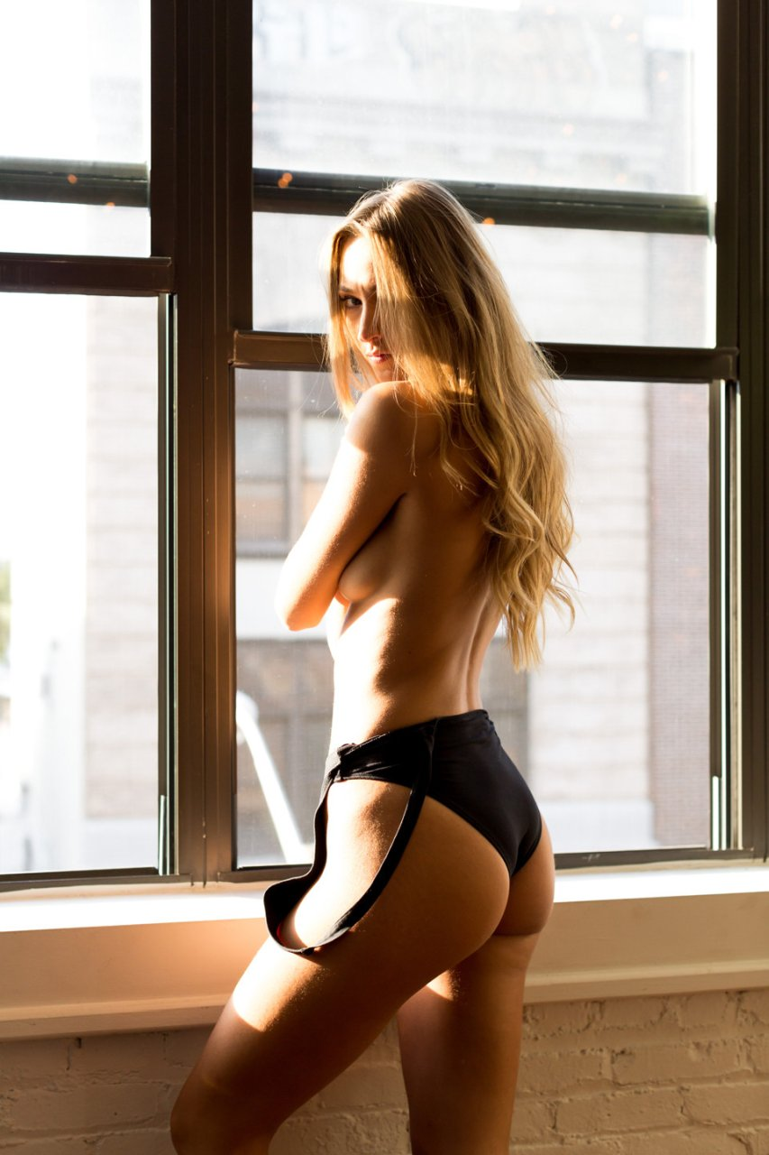 naked (11 photos), Is a cute Celebrity images