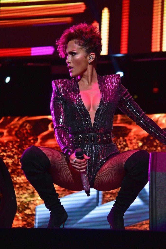 Jennifer Lopez Cleavage (12 Photos)