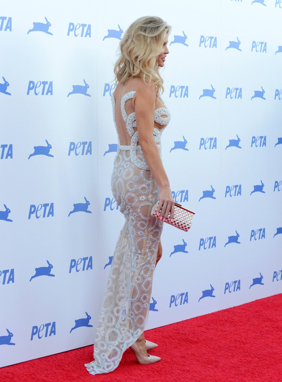 Joanna Krupa Sexy (21 Photos)