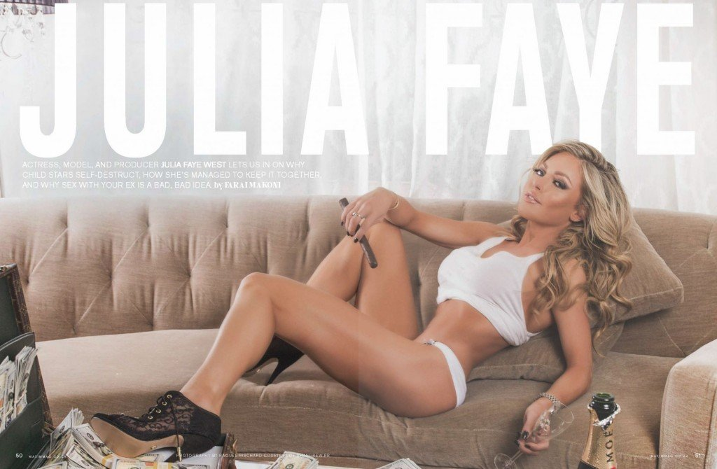 Julia Faye West Sexy (4 Photos)