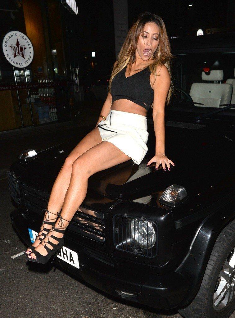 Kayleigh Morris Ass (25 Photos)