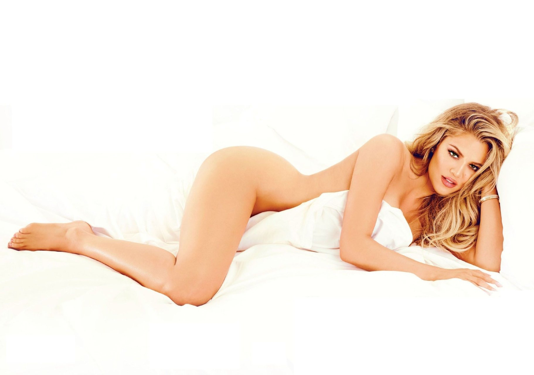 Nude Photos Of Khloe Kardashian 48