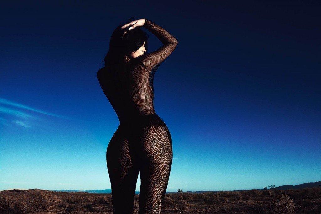 Kylie Jenner's Butt (4 Photos)