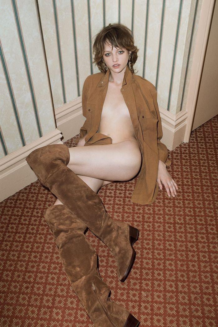 Lindsey Byard Nude (4 Photos)