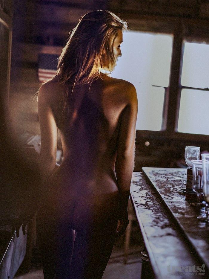 Marisa-Papen-Naked-10