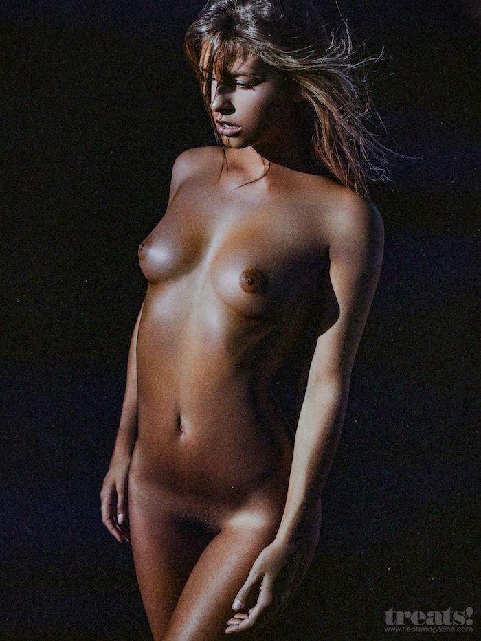 Marisa-Papen-Naked-2