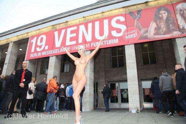 Micaela Schäfer Sexy & Nude (14 Photos)