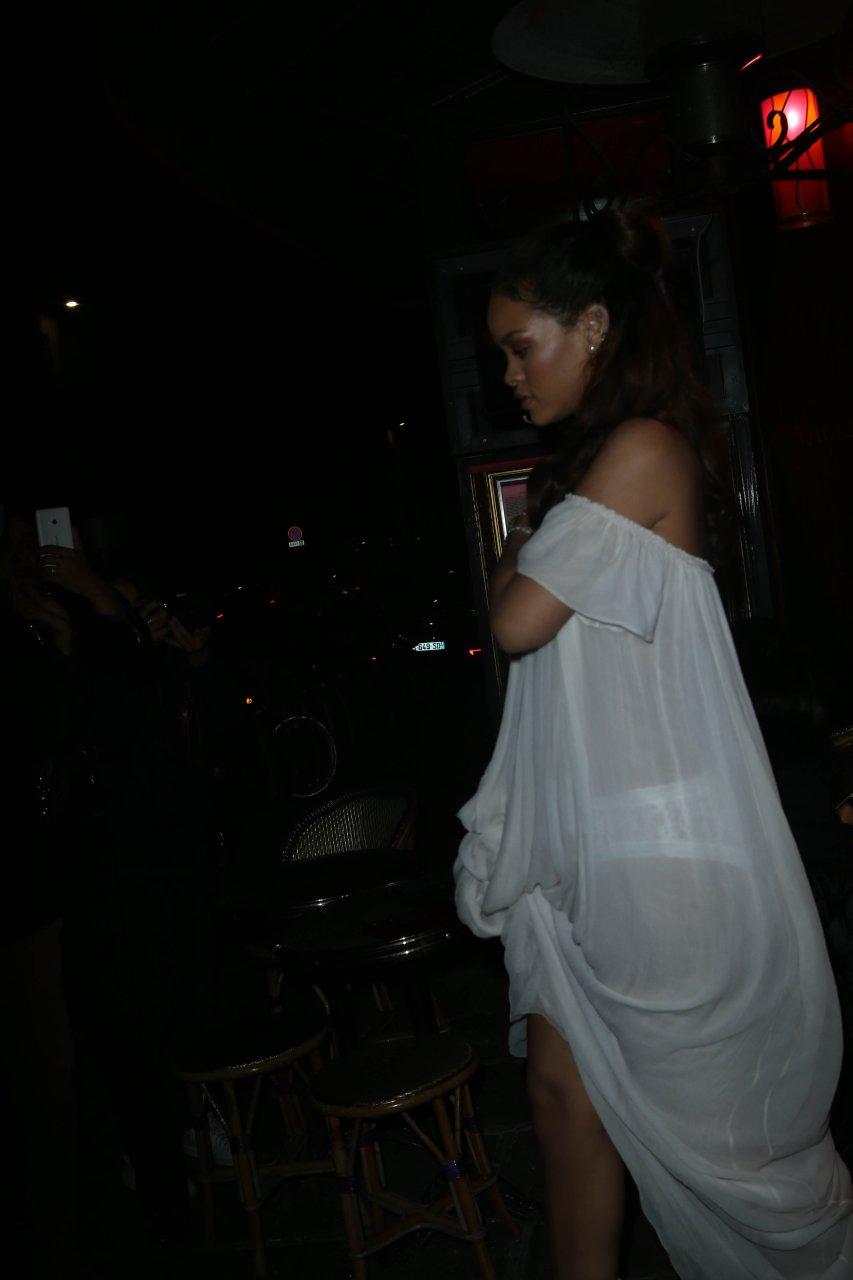 Sideboobs Rihanna Braless  naked (95 pics), iCloud, underwear