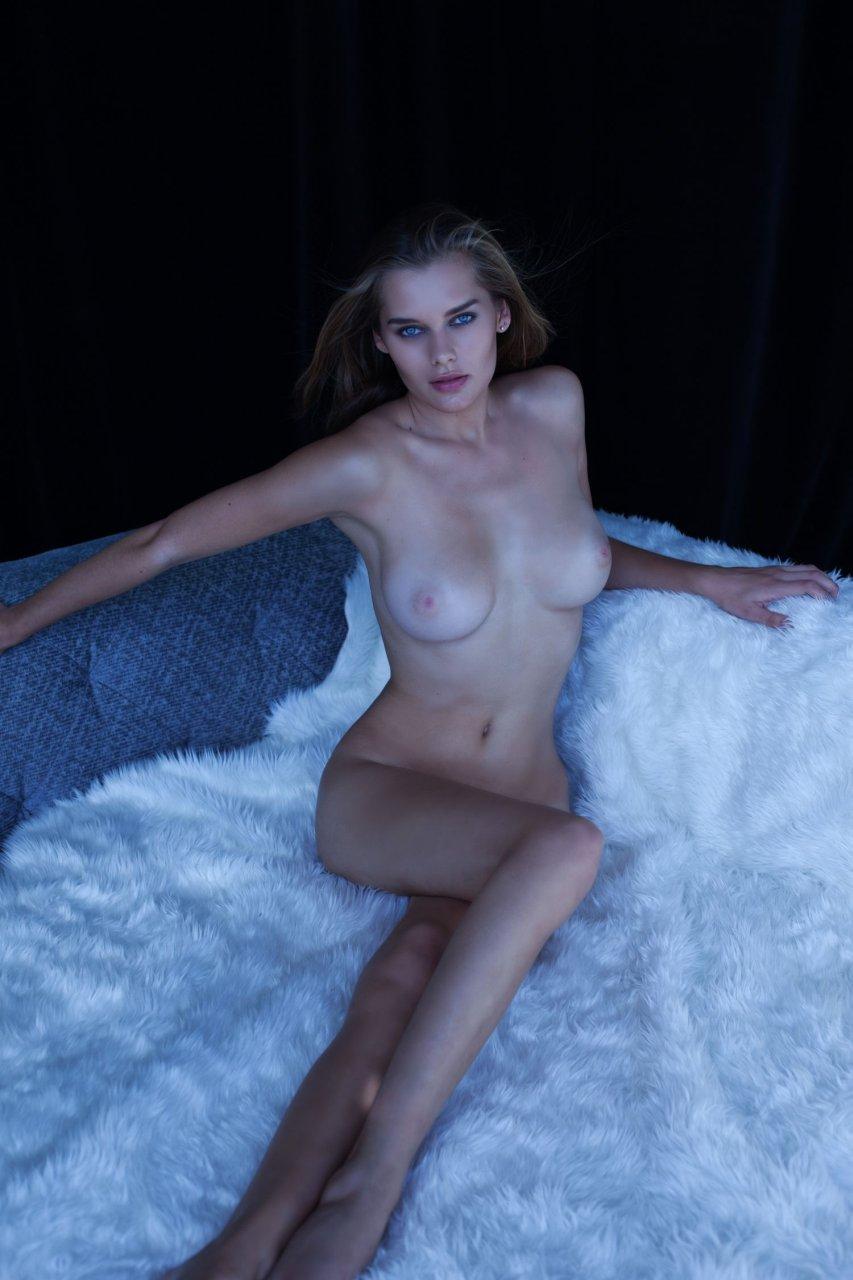 Tits Grace Hansen Nude Pics