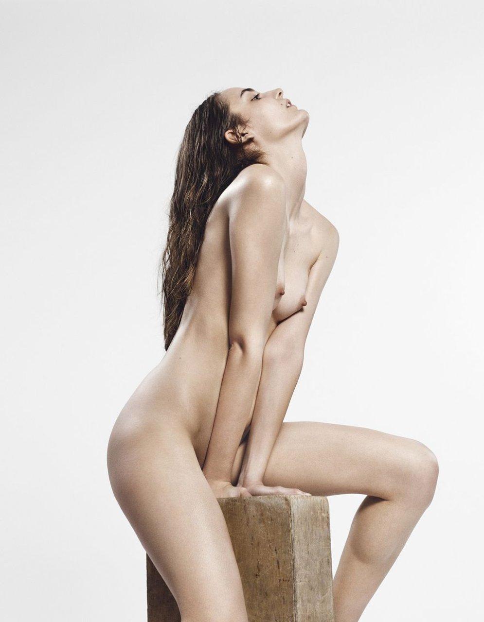 Zuzanna Bijoch Naked (3 Photos)