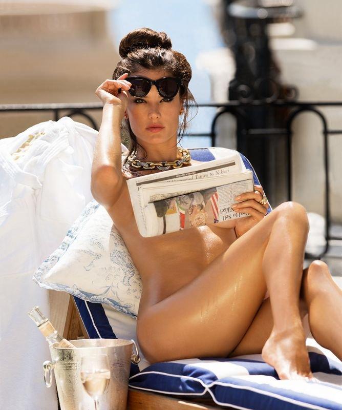 Alessandra-Ambrosio-Nude-Sexy11