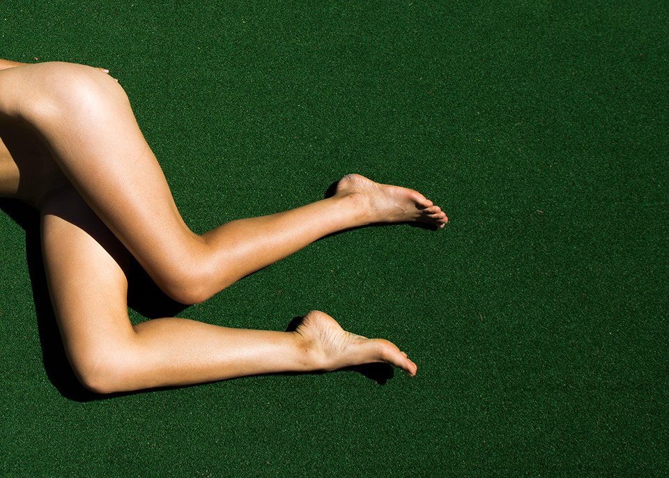Amanda Riley Nude & Sexy (8 Photos)