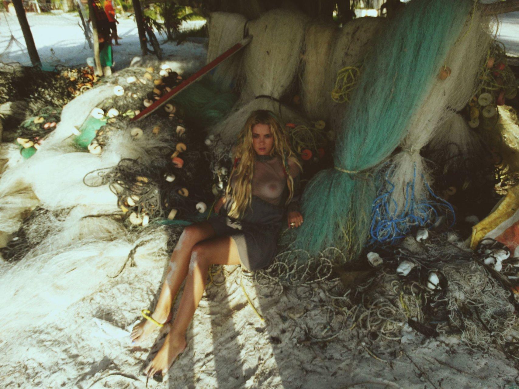 ashley benson's tits (40 photos + gifs) | #thefappening
