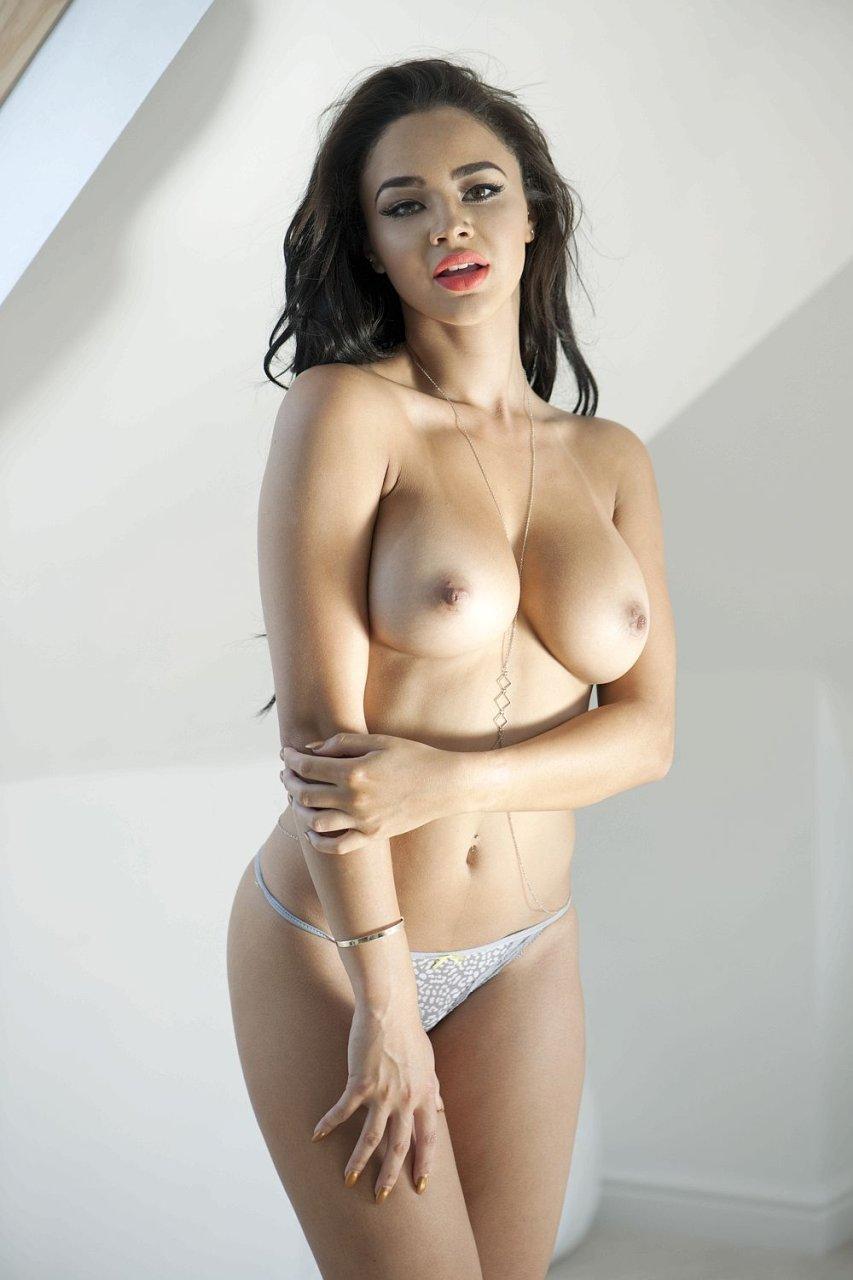 Courtnie quinlan topless photos 4 nude (15 photo), Sexy Celebrity fotos