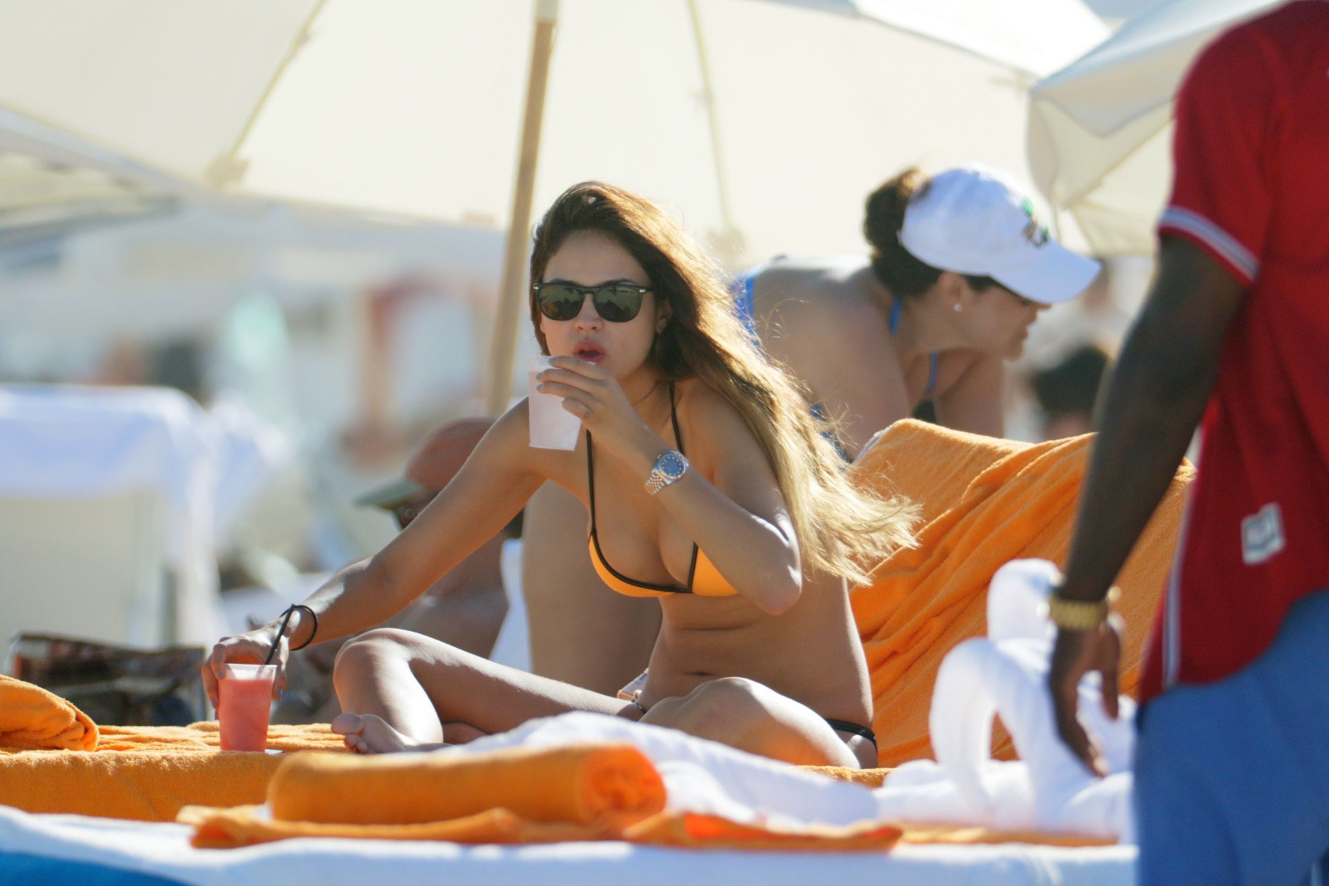 eiza gonz lez in a bikini 15 photos thefappening