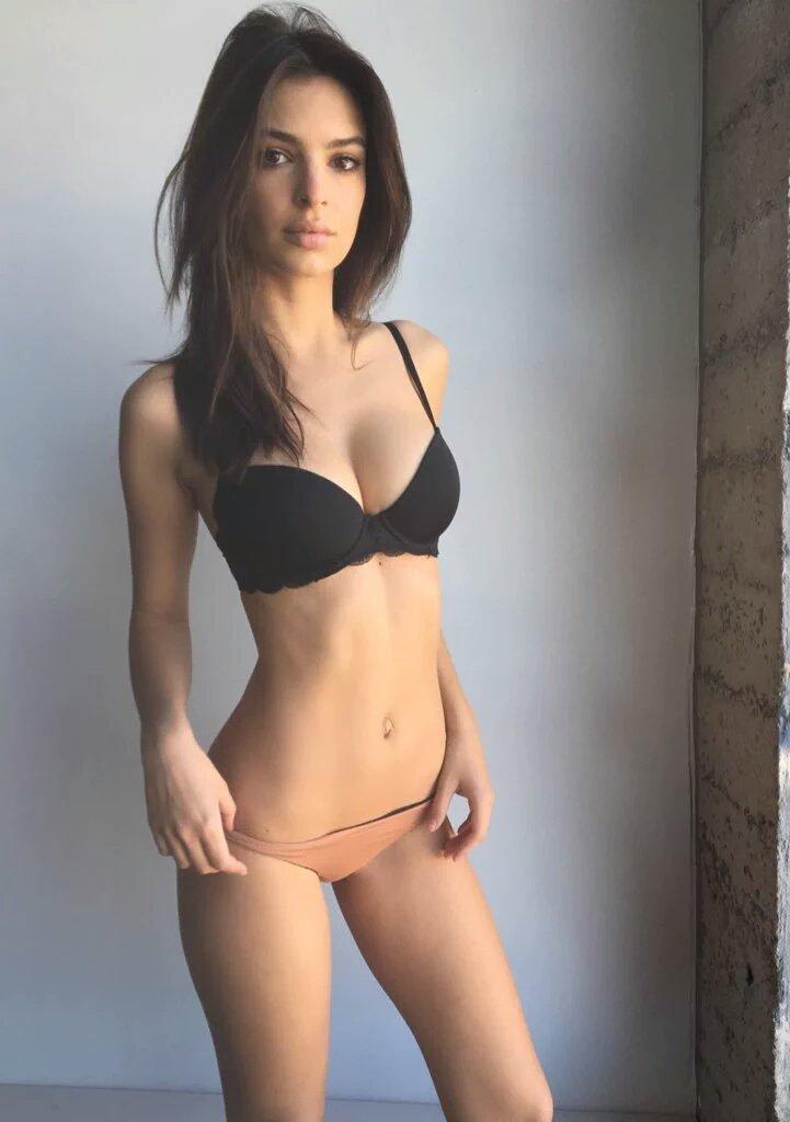 Emily Ratajkowski Sexy (3 Photos) | #TheFappening