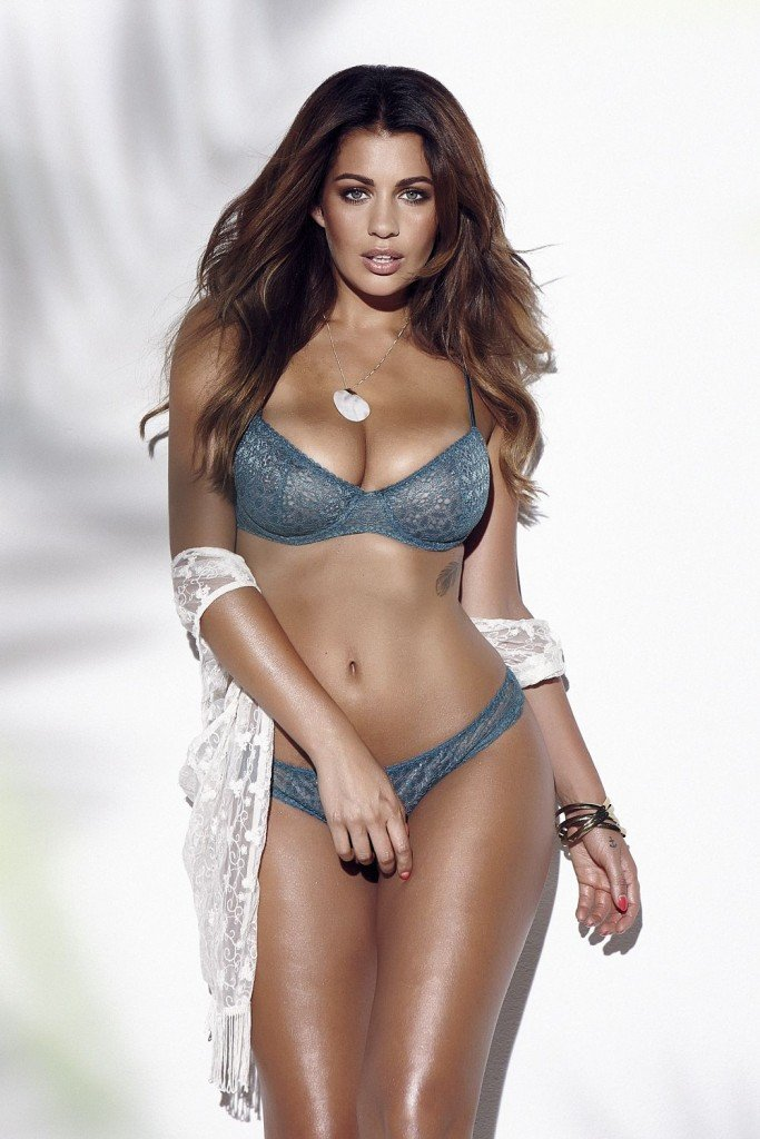 Holly Peers Sexy & Topless (3 Photos – Page3)