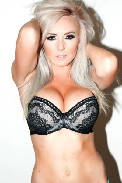 Jessica Nigri Sexy (30 Photos + Gifs)