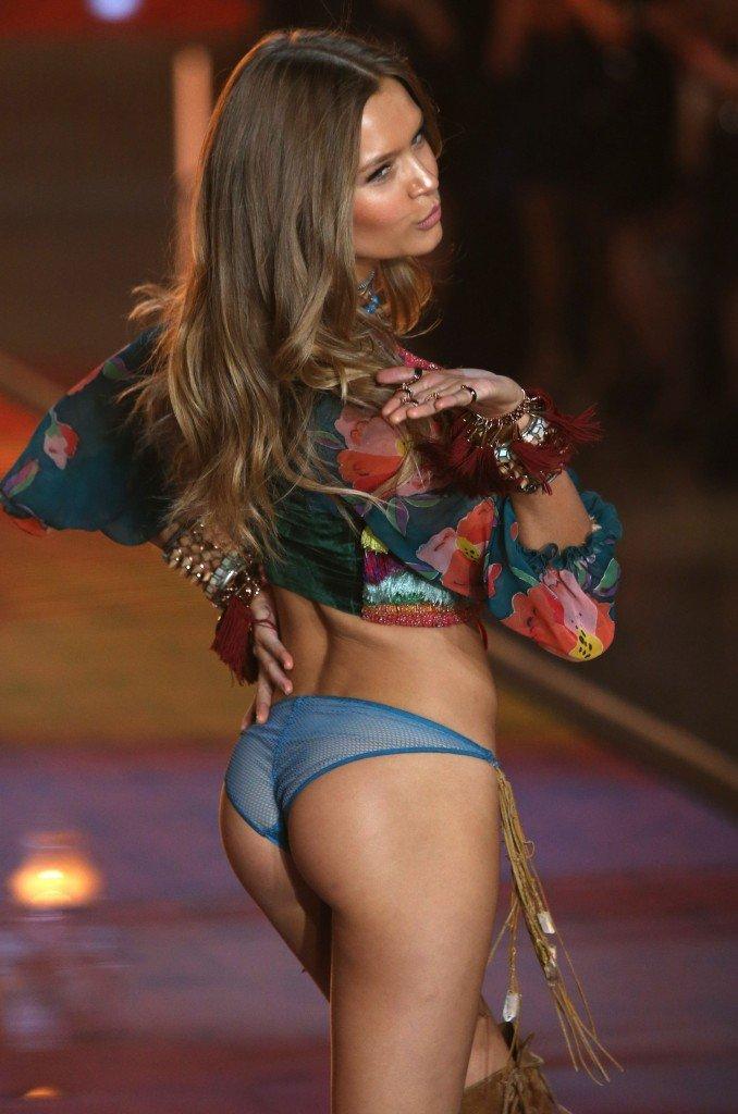 Josephine Skriver Sexy (63 Photos)