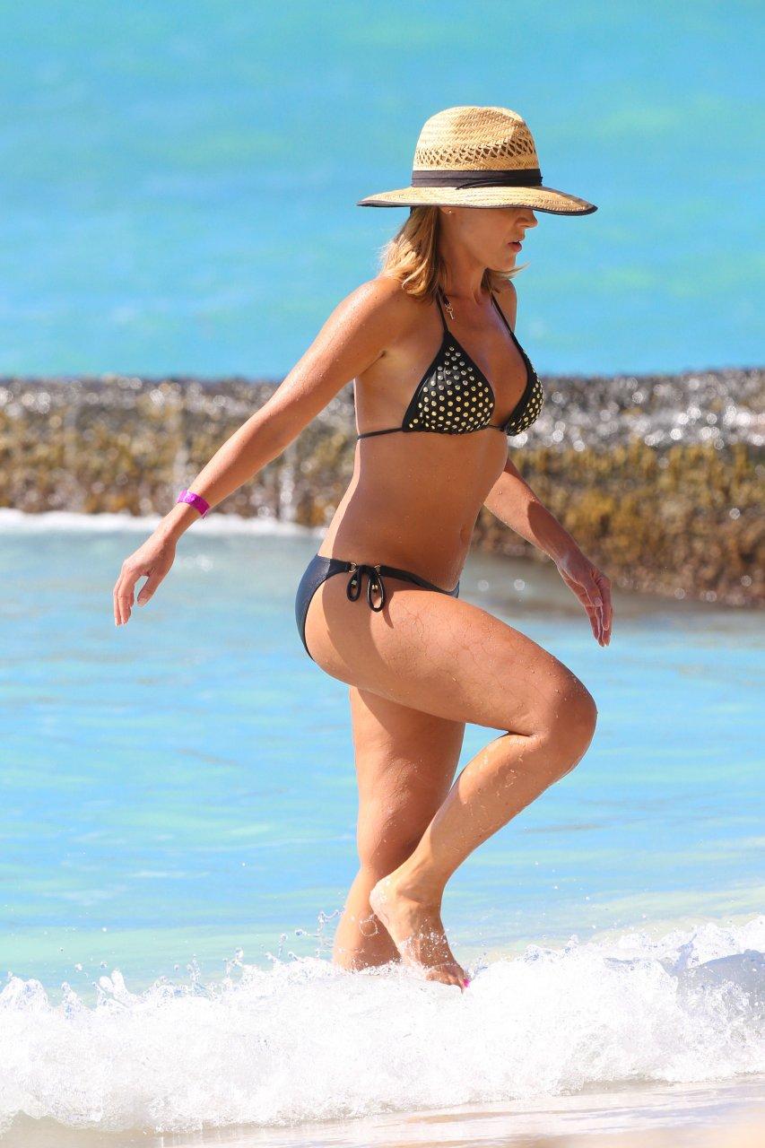 Julie Benz In A Bikini  30 Photos