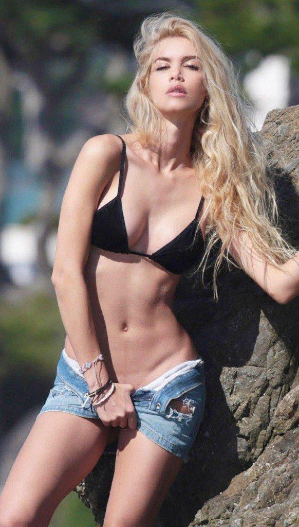 Kat Torres Sexy (28 Photos)