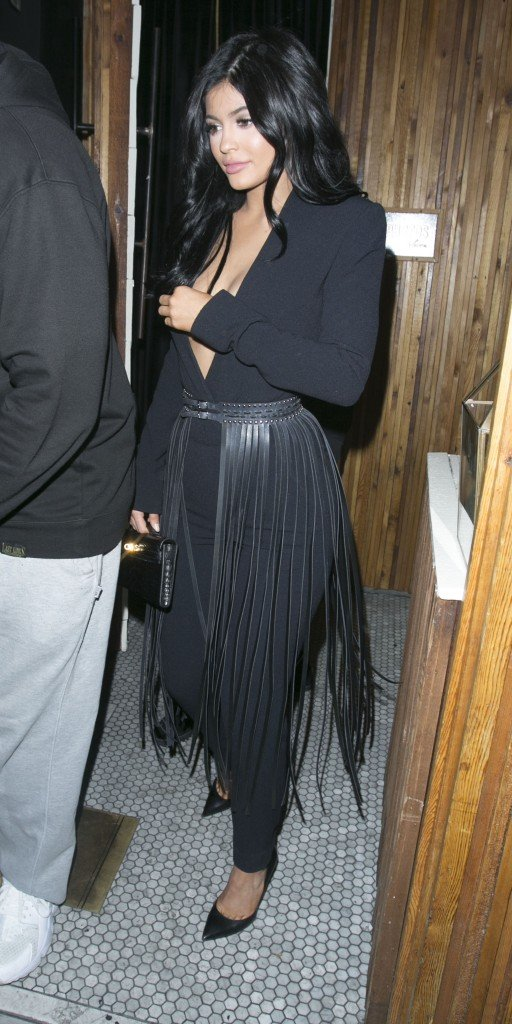 Kylie Jenner Braless (56 Photos)